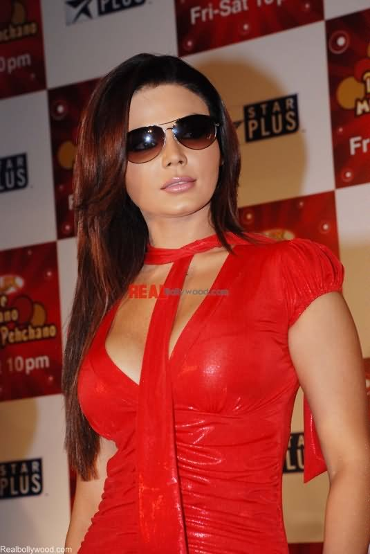 rakhi-sawant-in-red